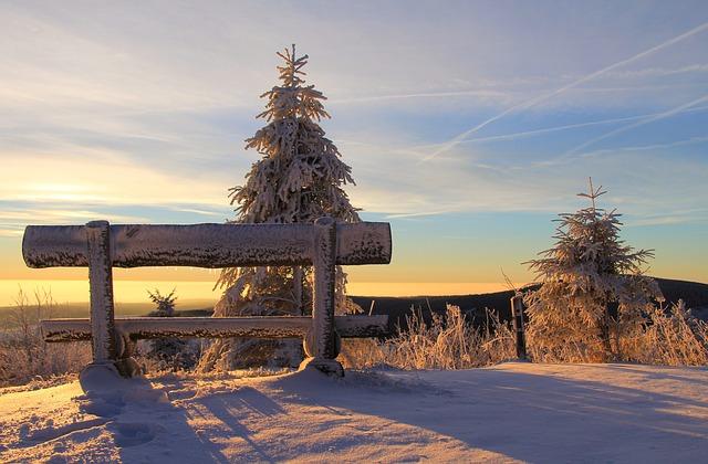 lavička na horách