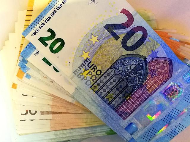 sloupec eurobankovek